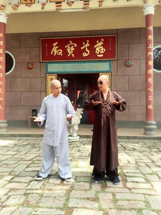 Hồ Quang Hiếu bất ngờ xuống tóc lên núi bái sư học võ