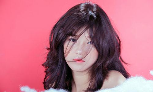 Hoàng Yến đổi phong cách trong MV mới