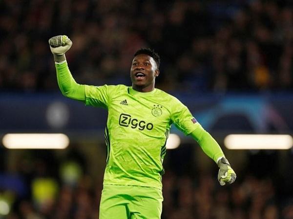Tin bóng đá tối 15/4: Chelsea và Tottenham quan tâm sao Ajax