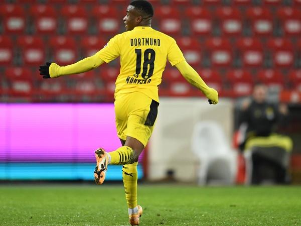 Tin bóng đá tối 19/12: Sao trẻ của Dortmund lập kỷ lục tại bundesliga