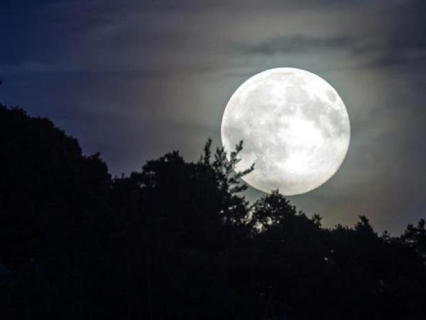 Phân tích ý nghĩa giấc mơ thấy mặt trăng