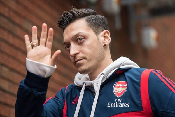 Mesut Ozil chính thức rời Arsenal để gia nhập Fenerbahce
