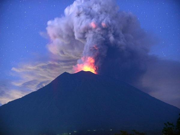 nằm mơ thấy núi lửa