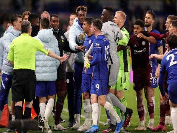 Bóng đá QT tối 3/6: Chelsea và Leicester nhận án phạt